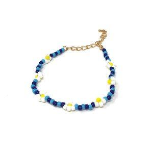 Daisy Beaded Bracelet in Blue/White